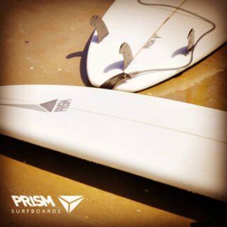 Il est temps de reprendre les bonnes habitudes... #lifeisabeach #surf #surfgirl #surfboard #prismsurfing